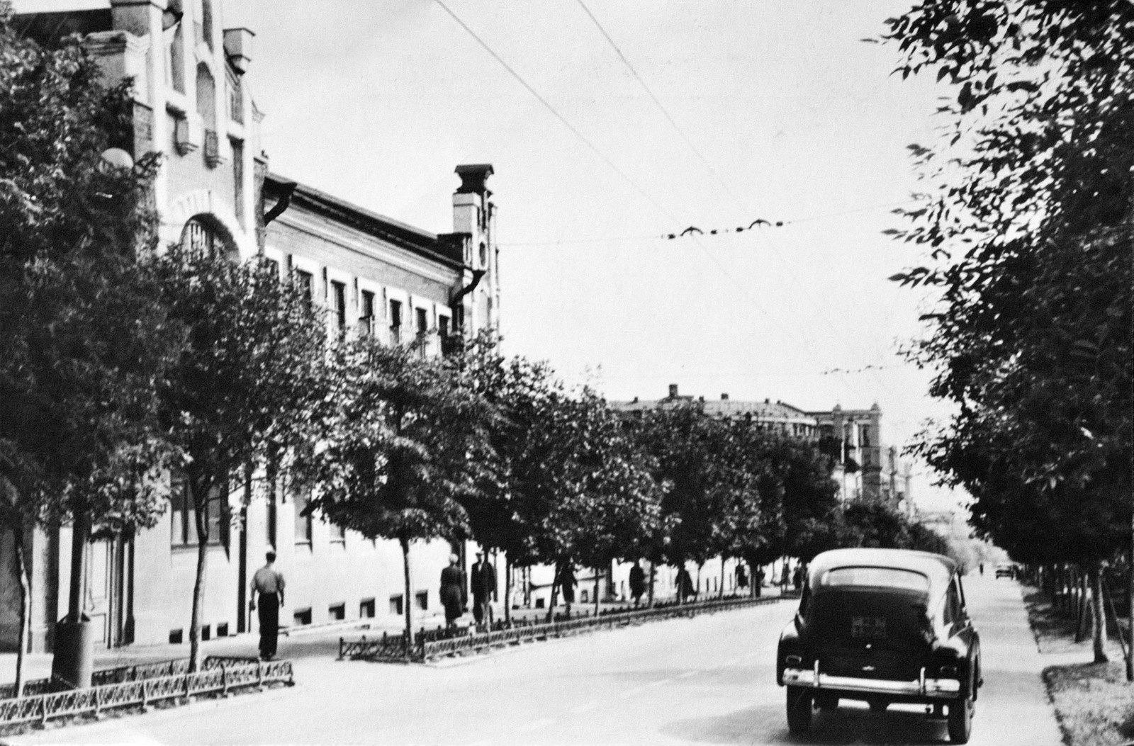 старые фотографии улицы коммуны если тебя буду